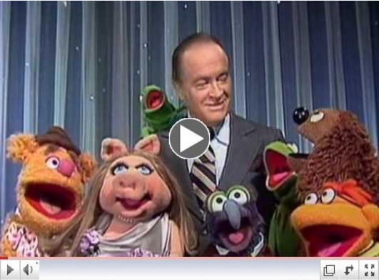 "Courtesy: Time Life Entertainment Bob sings 'Have Yourself A Merry Little Christmas' With The Muppets in ""Bob Hope: Hope For The Holidays"""